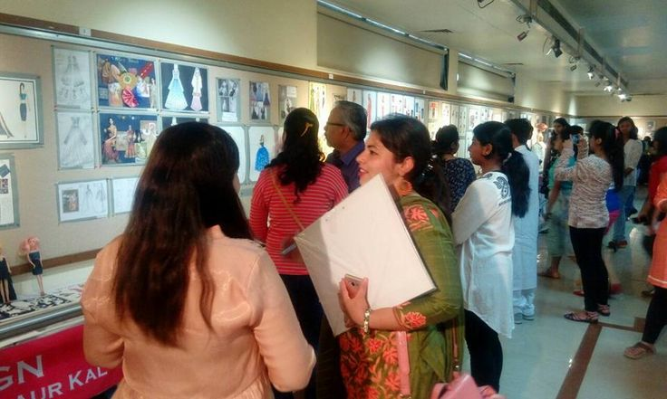 DSKIC Trainers were Jury Members for a portfolio review today. The portfolios were compiled by aspiring design students of Pune. #dskic#dskinternationalcampus#designportfolio#facultySilica Institute