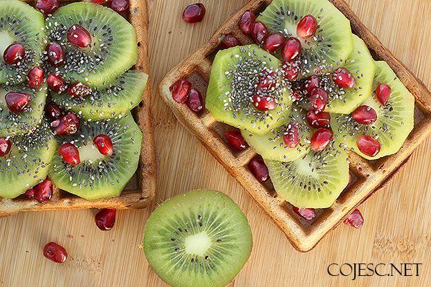 Dietetyczne gofry z owocami | Zdrowe Przepisy Pauliny Styś