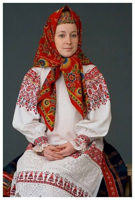Traditional Folk Dreass, Kaluga province at the beginning of the 20th century. The costume from the collection Sa Glebuškina: