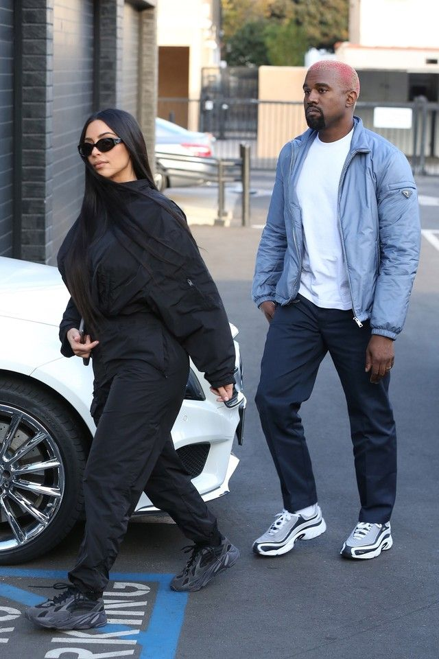 Kanye West Out Shopping On Looklive Mens Street Style Minimalist Fashion Men Street Style Outfits Men