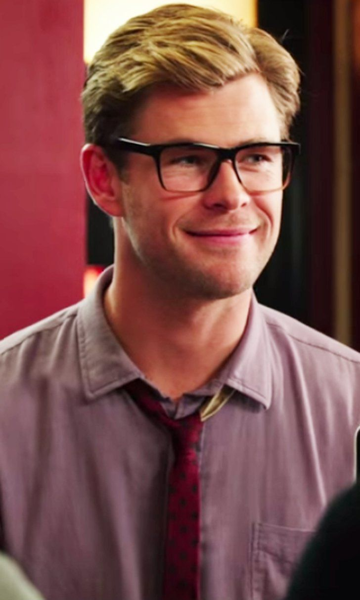You Need to Experience This Video of Chris Hemsworth's Character in Ghostbusters