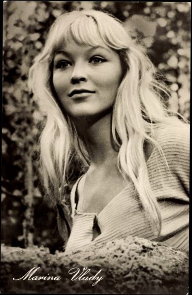 Marina Vlady, avant Helen Mirren, elle a démontré qu'en vieillissant le charme tenait.