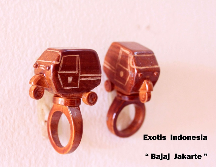 """Bajaj Jakarte"" - Design accessories andrauni valentina nganduh. Inspiration from culture Indonesia"