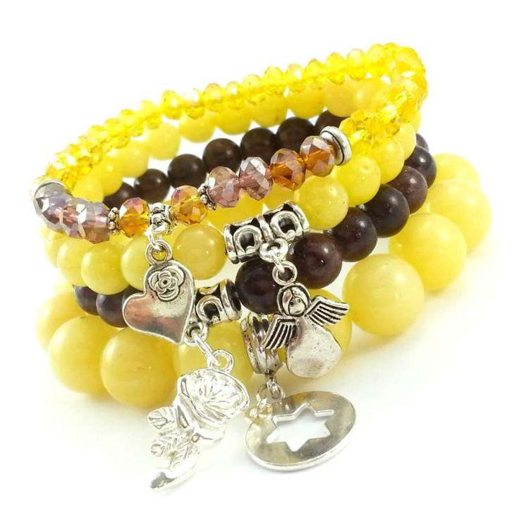 Bransoletki z żółtymi jadeitami, czekoladowym marmurem i kryształkami z charmsami różą, sercem, aniołem i gwiazdą.