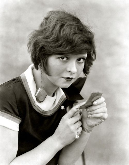 Clara Bow - quite the long earrings