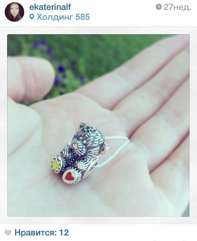 """Друзья, мы получаем все больше и больше ваших чудесных фотографий ювелирных изделий Diamare, спасибо вам большое! На этот раз своими сокровищами с нами поделилась Екатерина в Instagram http://instagram.com/diamarejewelry. Выкладывайте фотографии своих сокровищ от Diamare в альбом """"Мой первый браслет Diamare"""" в наших группах в социальных сетях или отмечайте нас на фото в Instagram, а мы будем вдохновляться ими на новые коллекции и делиться самыми лучшими фотографиями с вами."""