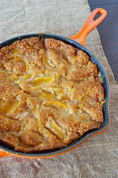 Skillet Peach Cobbler: One Easy, Awesome Dessert #lecreusetonepot @houseoffraser