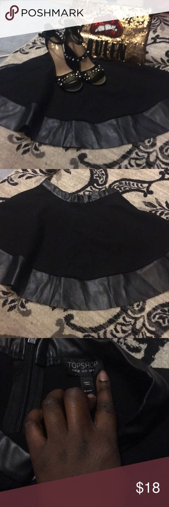 Faux leather skater skirt Topshop faux leather skater skirt. Night out, date night, girls night, concert, great for any occasion. Girls just want to have fun and look great doing it. Open to reasonable offers and bundle deals as well. Topshop Skirts Mini