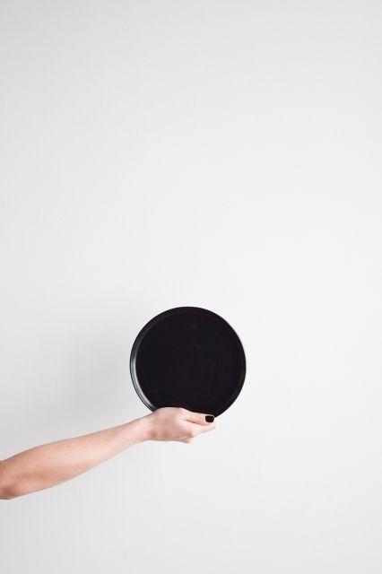 ÅOOMI DESIGN STUDIO - LUNA SMALL PLATE