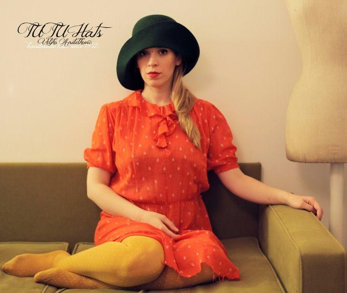 Grüne Vintage-Stil Frauen handgefertigten Hut von TUTUHandmadeHats auf DaWanda.com