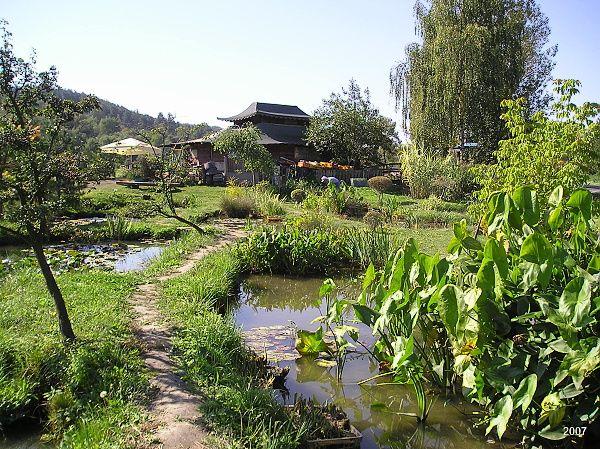 Užijte si chvíle pohody s celou Vaší rodinou ve vodním parku Čabárna o rozloze 3,5 ha. Park nalezneme na okraji města Kladna v městské části Švermov, směrem na Brandýsek. Vodní park vznikl zásluhou…