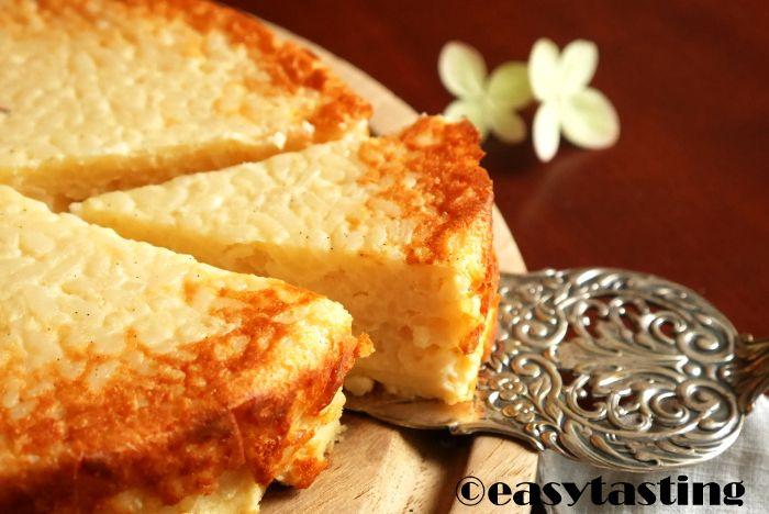 Cremig leckerer Milchreis wird im Ofen zu einem leckeren Kuchen. Dabei ist das Rezept ganz einfach und die meisten Zutaten hat man sowieso im Haus. Also ran an den Topf!