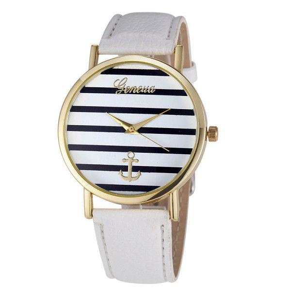 La montre tendance 2017. Superbe montre, unique en son genre. Mouvement à trois aiguilles.  Un jolie montre qui sublimera vos poignets en un clin d'oeil!!!  La montre parfaite pour cette saison!  Emballage cadeau offert!