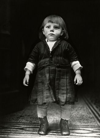 Farmer's Child (1925-1930) - Sander Collection - Photography - Amber Online