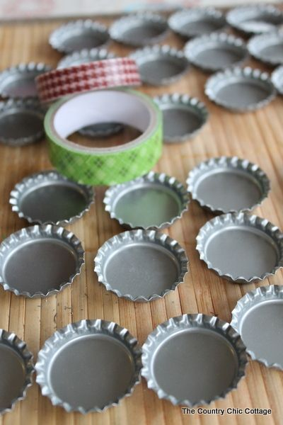 DIY Travel Bottle Cap Checkers. Neat for a game on the go!