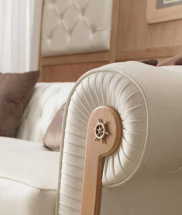 Details of Classic Living Furnitures - Proposal 848 | Caroti