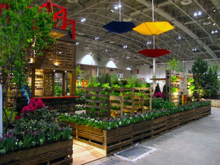 Google Image Result for http://www.krusto.ru/wp-content/gallery/28-03-7/pallet-garden-bsq-design-2.jpg