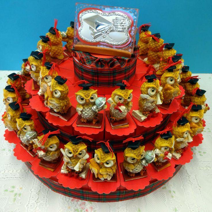 """Torta Bomboniera con gufetti laureati. Torte Bomboniere realizzate da """"Ore Liete - La Bomboniera Italiana"""""""