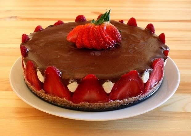 RAW jahodová torta, recepty, Torty | Tortyodmamy.sk