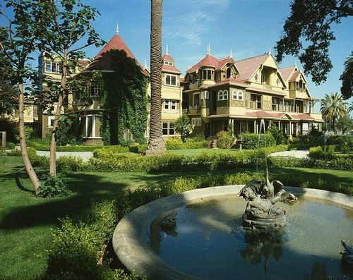 FORUM DE LA TAVERNE DE L'ETRANGE :: The TOP 10 des lieux hantées les plus célèbres du monde. Ici La mystérieuse maison Winchester, Californie (États-Unis).