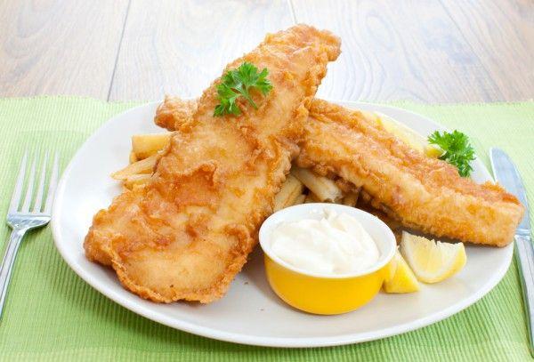 Рыбное филе в яйце и сухарях приготовить очень легко. Такое блюдо наверняка придется по вкусу вашим детям! Пошаговый рецепт с фото.