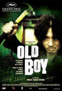 My Films-In: OLDBOY 2003 Πολυεπίπεδη κινηματογραφική εμπειρία, κυρίως art house ταινία, με σοφή μίξη σουρεαλιστικών στοιχείων, δράσης, ψυχολογικού θρίλερ, θεατρικού δράματος, μαύρης κωμωδίας. Πανέμορφη και συγκλονιστική, διασκεδαστική και εντυπωσιακή αλλά πάνω απ όλα μια ταινία απόλυτα τραγική.