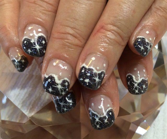 Day 346: Snow Globe Nail Art - Nails Magazine