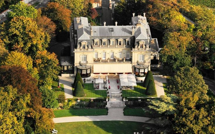 Chateau Les Crayeres Across the street from Veuve Cliquot!!!!