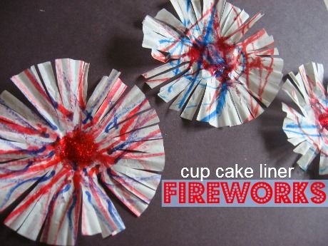 Awesome 4th of July craft for kids ( great fine motor development with drawing and cutting) .