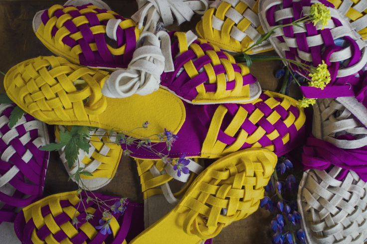 Felt slippers for Folkista Poppia!- competition, got to top 11  (169 entries) // Handmade and designed by Anna Kokki