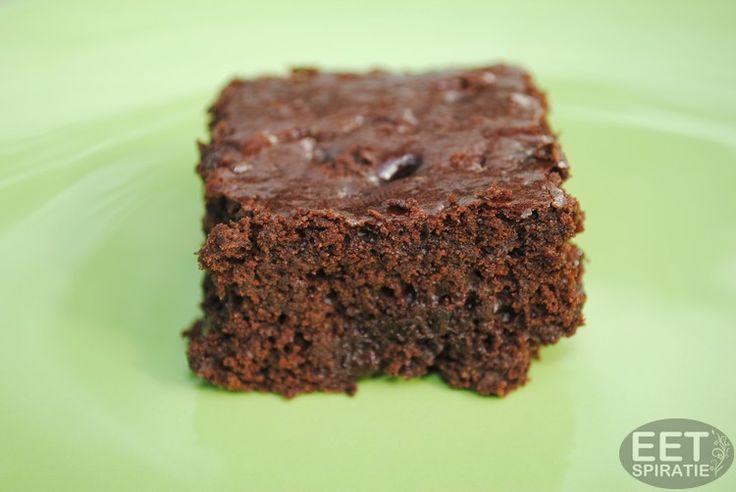 Brownie uit Jamie Magazine Family special  - Super zachte, smeuïge brownies gezoet met appel en honing in plaats van 'witte' suiker.