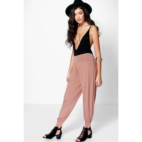 Boohoo Lena Basic Jersey Hareem Trousers ($16) ❤ liked on Polyvore featuring pants, camel, sports jerseys, sports pants, white jersey, tapered pants and rayon pants
