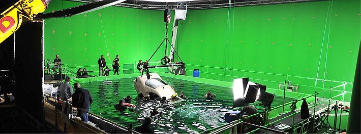 #berlin. #studio #BABELSBERG. Unterwasser-Dreharbeiten im Wassertank - Studio Babelsberg AG