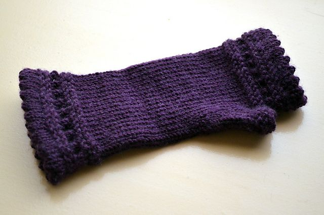 Ravelry: knitravelme's Tina's Reading Mitts to go with Bronwyn