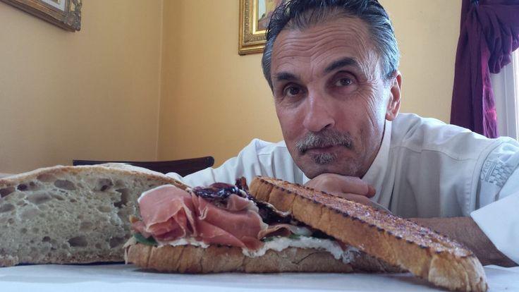 """""""La stozza"""", panino degli agricoltori con Prosciutto di Parma, ricotta di pecora e radicchio grigliato, dello Chef Walter Potenza,  """"Cucina italiana nel mondo verso l'Expo 2015"""""""