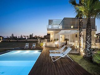 Blumarine, splendid new villa with pool only 30 metres from the beach   Holiday Rental in Marina di Modica from @HomeAwayUK #holiday #rental #travel #homeaway