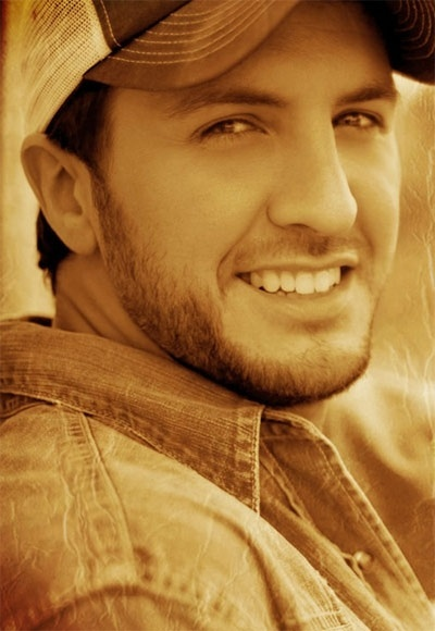 What a beautiful species this Luke Bryan is ....