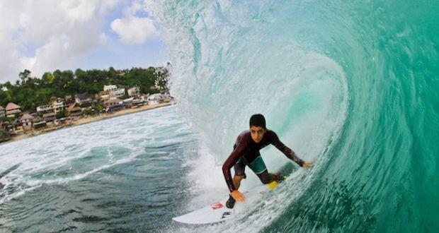 Gulherme Villas Boas surfista de Ubatuba, de 17 anos, passou um mês de sonho no paraíso da maioria dos surfistas deste planeta: a Indonésia! | Surftoday