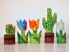 Cactus y flores de rollo de papel higiénico en Manualidades para bebés, niños y niñas