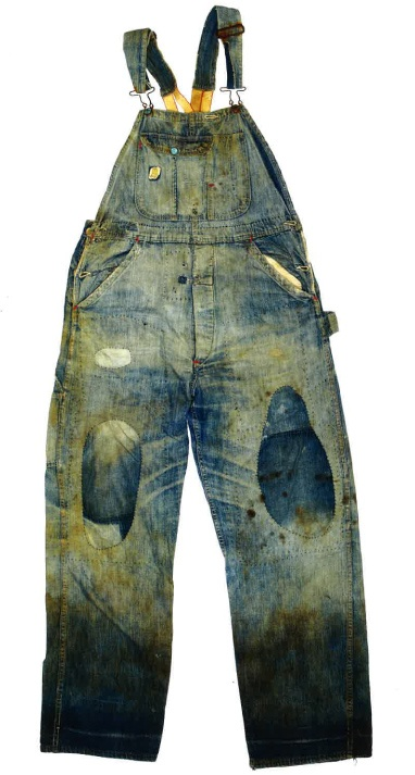 vintage overall....I would girly these up with some lace...xoxo