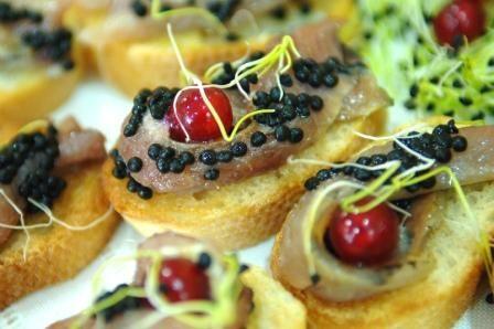 Dried herrings a la vinaigrette made from rosemary honey (La Cuina de la Mel)