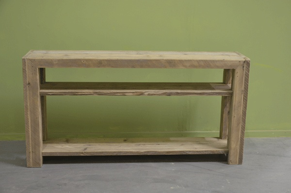side-table van steigerhout.