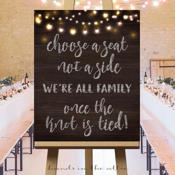 Choisissez un siège, pas un côté, signe de siège pour la cérémonie de mariage, grands signes du jour du mariage, fond en bois, guirlandes lumineuses, téléchargement numérique, PDF – Seating chart wedding