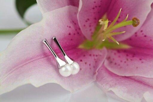 Baaaardzo eleganckie. W sam raz na ślub. Powiedz TAK z By Dziubeka. Kolczyki wkrótce dostępne na naszej stronie. #bydziubeka #jewelry #earrings #wedding