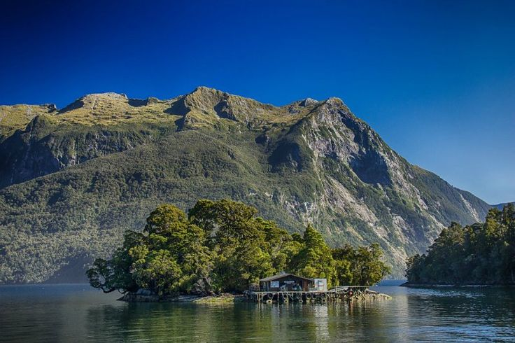 Doubtful Sound Fjord - Fiordland National Park in New Zealand