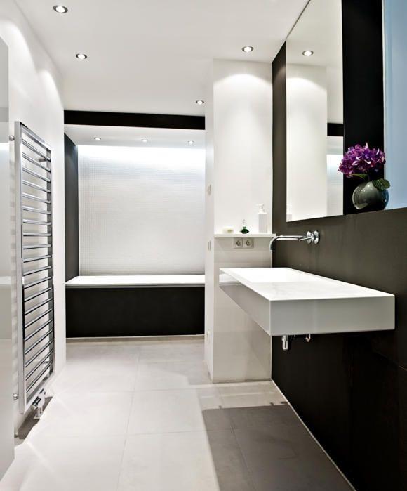Badezimmer Heller Boden Dunkle Wand Mit Bildern Dunkle Wande