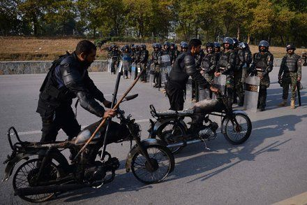 Pakistan May Deploy Troops After Violent Clashes in Islamabad