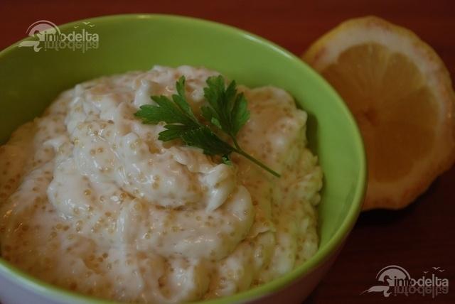 Trebuie sa recunosc ca am mancat pana mi s-a aplecat :)  http://www.info-delta.ro/retete-culinare-31/reteta/salata-de-icre-de-stiuca-173.html