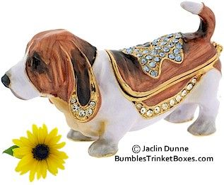 For cousin Hillary - Trinket Box: Miniature Basset Hound