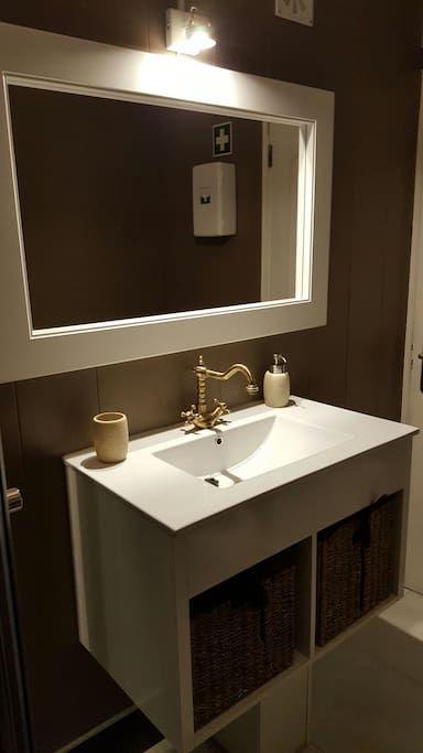 Veja este anúncio incrível na Airbnb: Your Homey in Ferragudo - Apartamentos para Alugar em Ferragudo